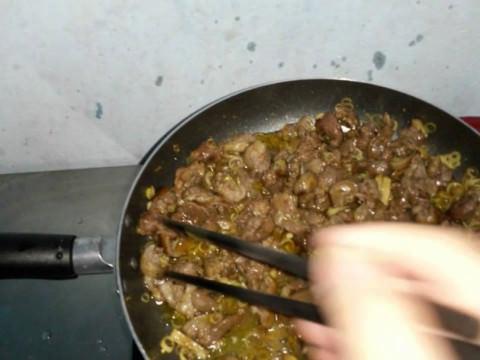 Cách chế biến thịt chó xào lăn đổi món cho bữa cơm cuối tuần 4