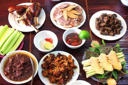 Phân tích cụ thể vấn đề: Thịt chó nóng hay mát? Nên ăn hay không nên ăn?