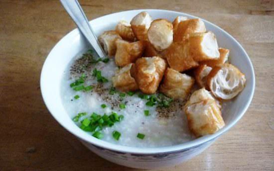 Cách nấu cháo sườn bằng bột gạo nhanh gọn cho bữa sáng ngon lành