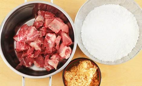 Cách nấu cháo sườn bằng bột gạo nhanh gọn cho bữa sáng ngon lành 2