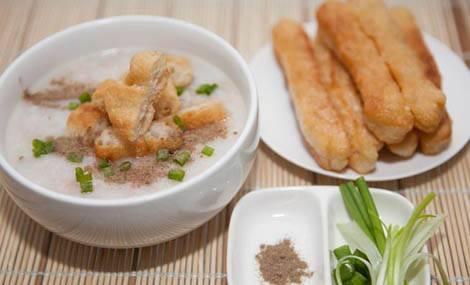 Cách nấu cháo sườn bằng bột gạo nhanh gọn cho bữa sáng ngon lành 4