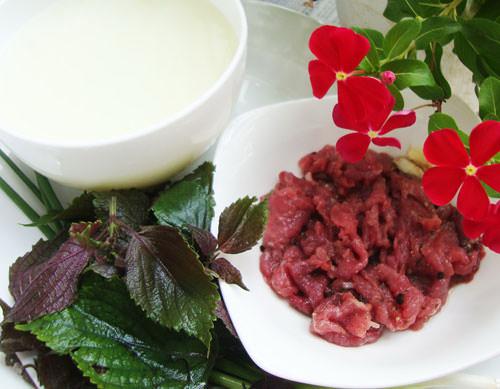Cháo tía tô thịt bò vừa thơm ngon, vừa hấp dẫn, vừa hạ sốt hiệu quả 2