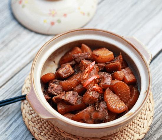 Cách làm thịt ba chỉ kho củ cải trắng ngon hơn bạn tưởng