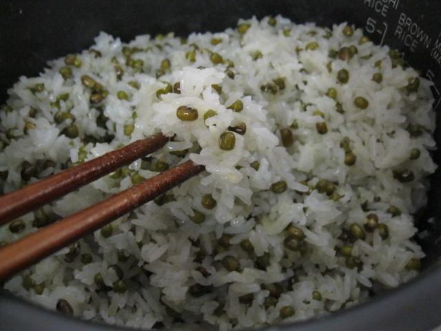 cách nấu xôi đậu xanh nguyên vỏ