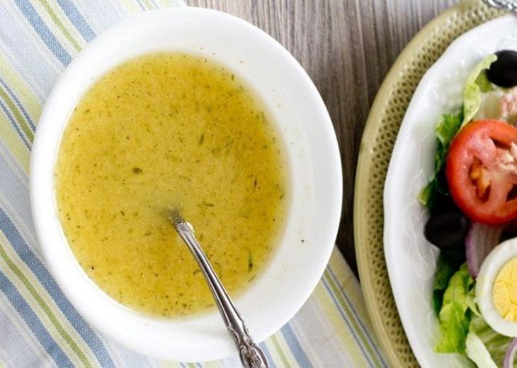 Cách làm salad cá ngừ dầu dấm 4