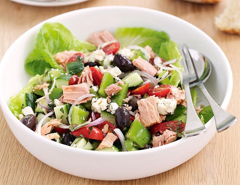 Cách làm salad cá ngừ tươi 3