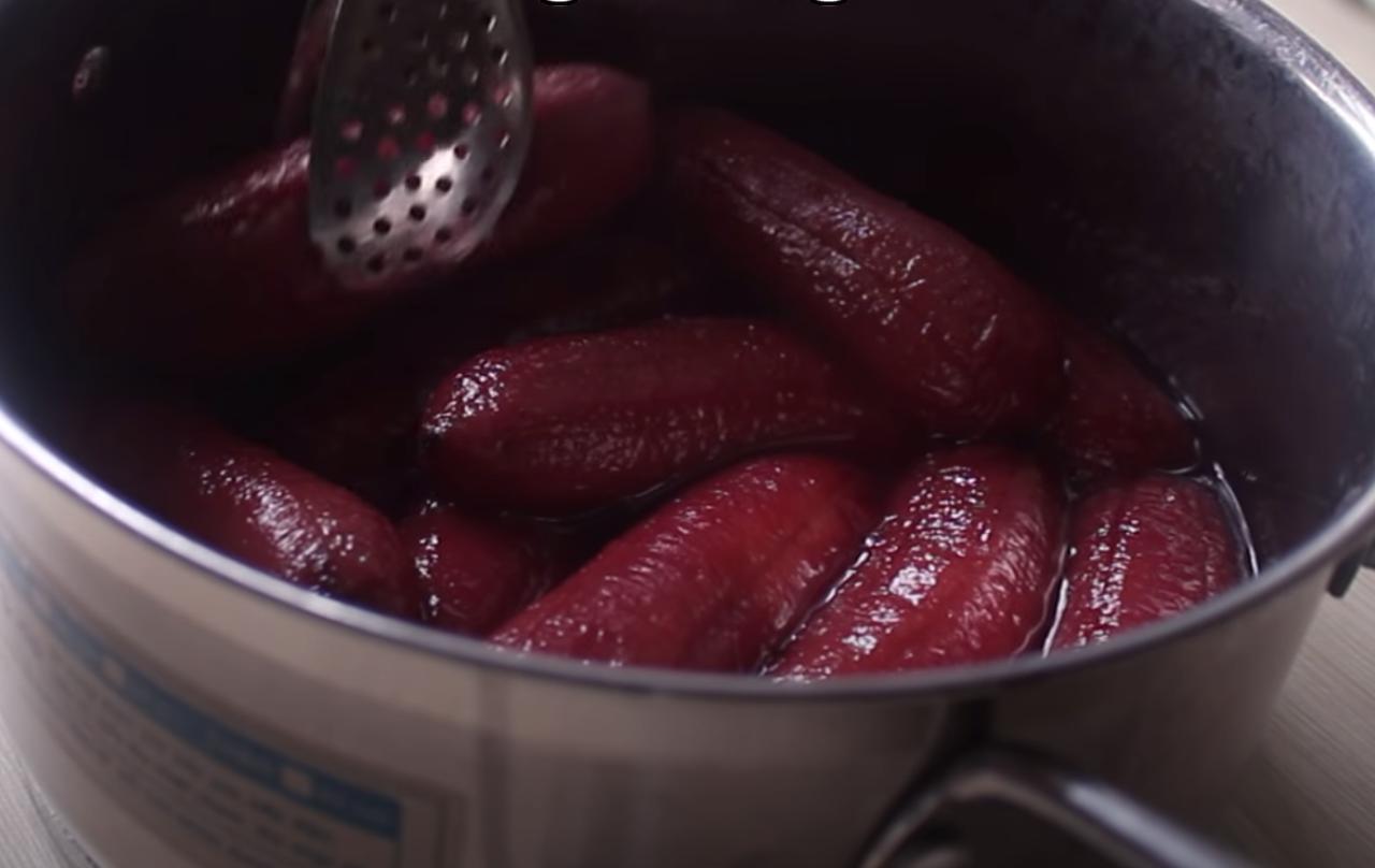 cách làm bánh chuối nướng màu đỏ 9