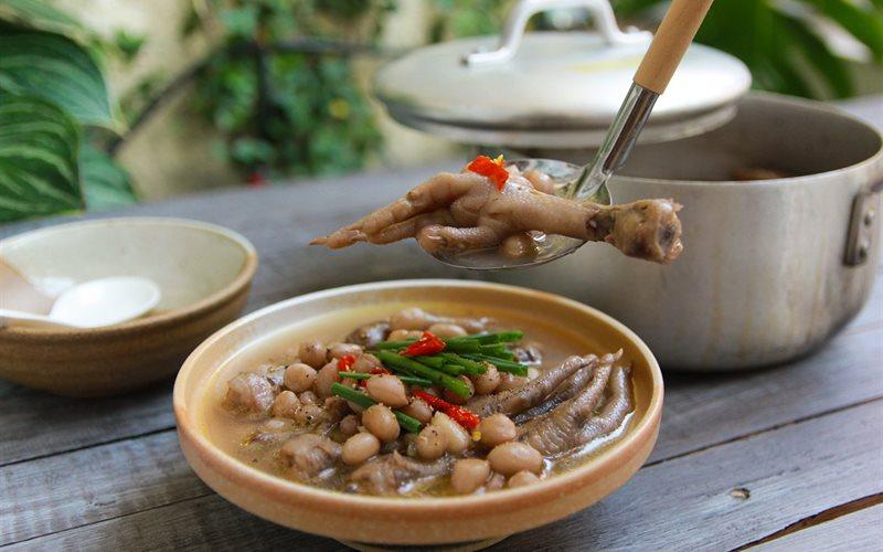 chân gà hầm đậu phộng