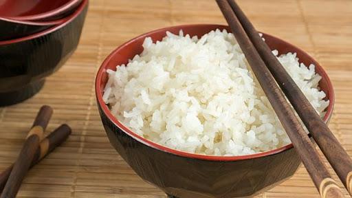 1 bát cơm cũng có 130 Kcal như 1 chén cơm
