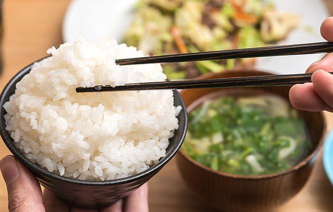 Ăn nhiều cơm có tốt không? Hai mặt của vấn đề, lợi bất cập hại 1