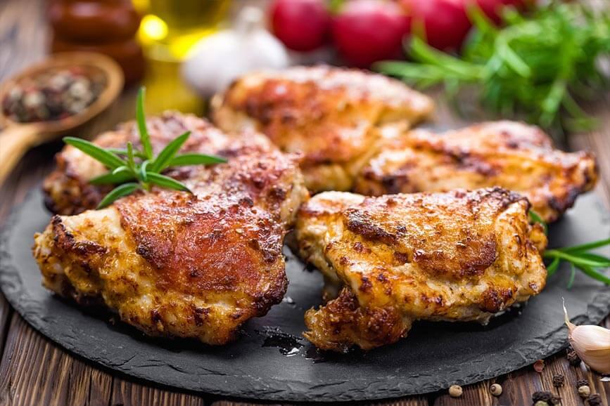 Thịt gà chế biến có hàm lượng calo cao hơn thịt gà sống