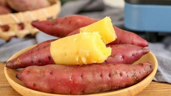Cách luộc khoai lang ngon để chiêu đãi cả nhà món ăn dân dã 1