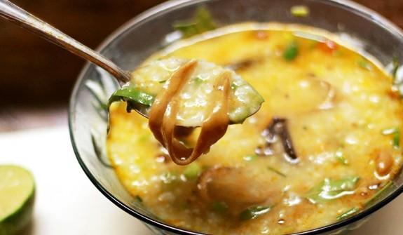 Cháo lươn nấu với rau gì cho bé ăn dặm 8