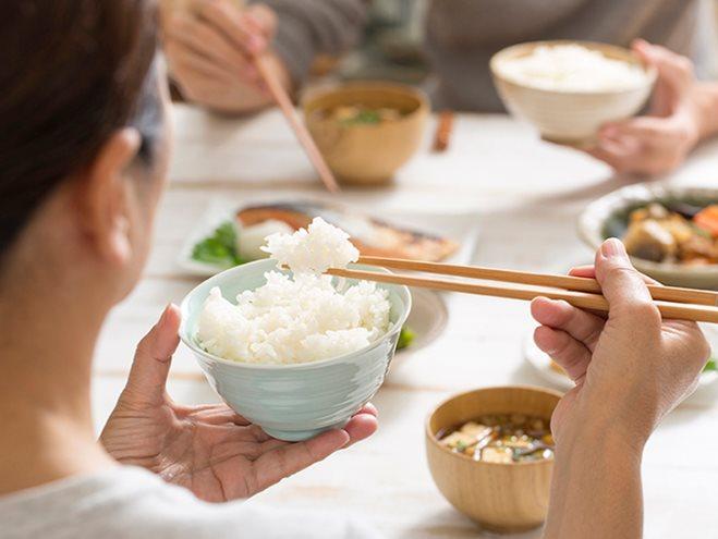 Không ăn cơm có tác hại gì? Hệ quả khôn lường của việc ăn kiêng bỏ cơm 5