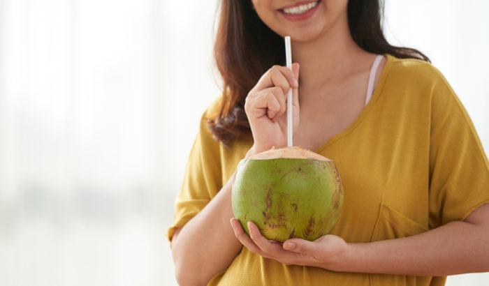 Nước dừa có chất gì mà mang lại nhiều công dụng tuyệt vời đến vậy? 2