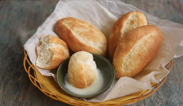 1 ổ bánh mì chấm sữa bao nhiêu calo