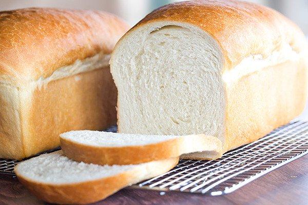 1 ổ bánh mì trắng bao nhiêu calo