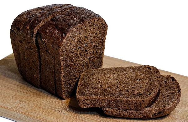 100g bánh mì đen bao nhiêu calo