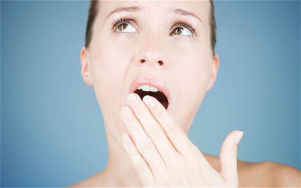 Ngáp giúp chữa ù tai hiệu quả