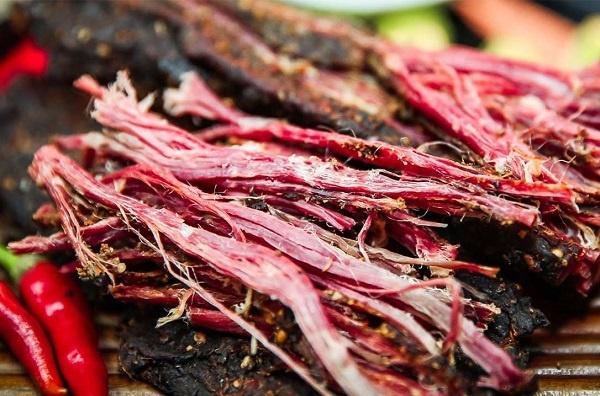 Thịt trâu, thịt bò gác bếp