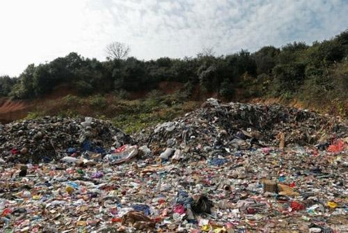 Hình ảnh về ô nhiễm đất 3