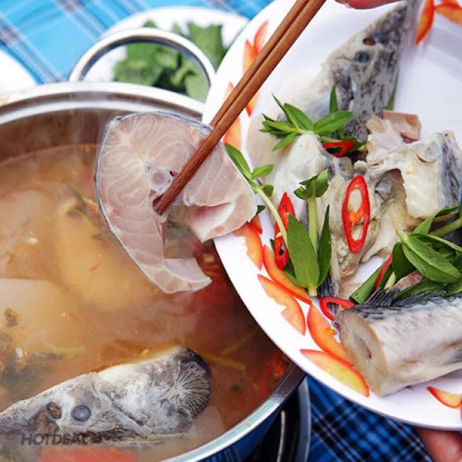 Nấu nước dùng lẩu cá tầm