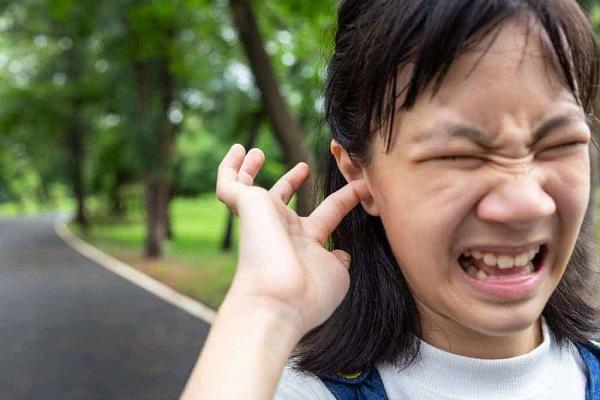 Giải mã điềm báo ngứa tai phải