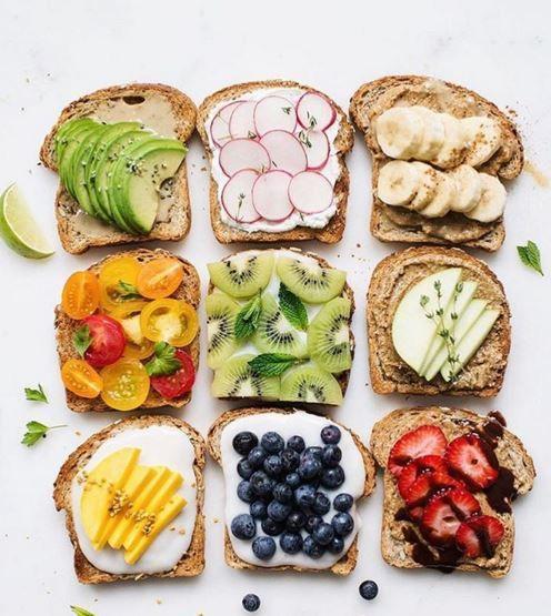 Công thức bữa sáng với bánh mì đen