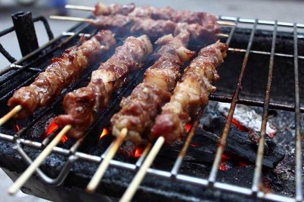 Thịt xiên nướng Quang Trung - Hà Nội