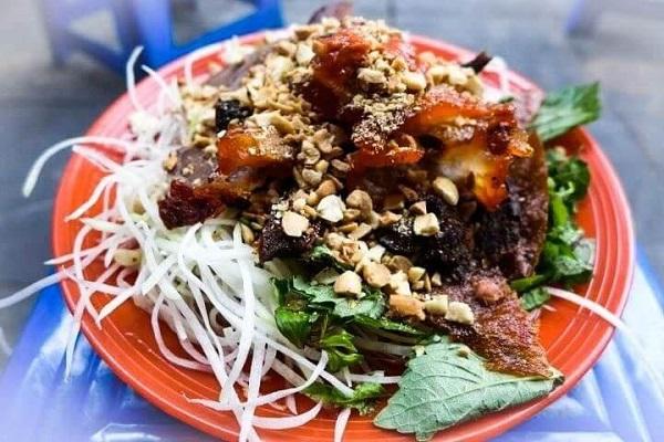 Nộm bò khô Hồ Hoàn Kiếm - Hà Nội