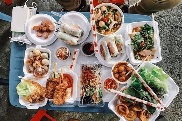 Hẻm ăn vặt 76 Hai Bà Trưng - Sài Gòn