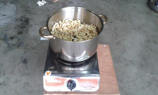 cách làm bắp rang bơ bằng máy 3