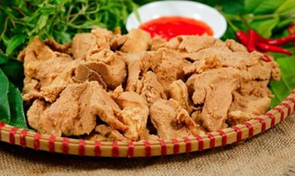 Thịt lợn đen chua Cao Bằng