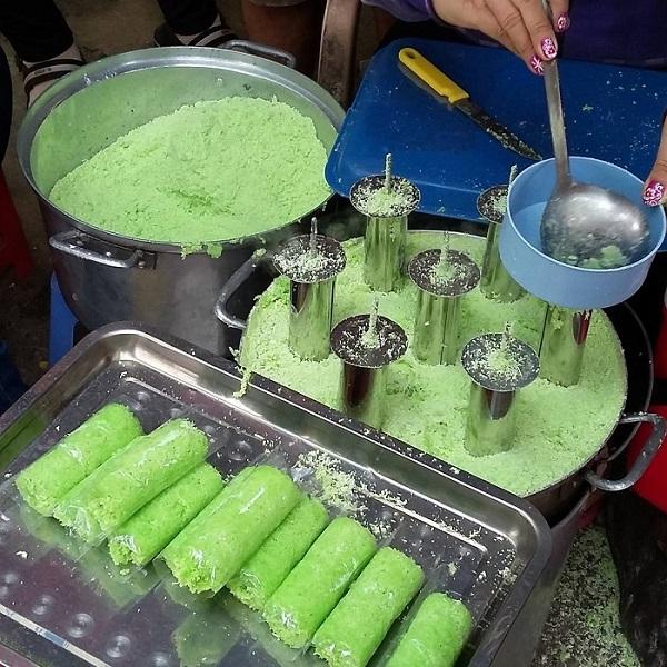Bánh ống lá dứa Kiên Giang