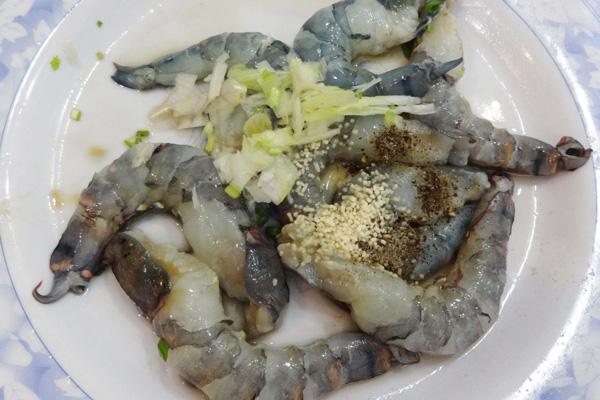 mì gói xào hải sản 2