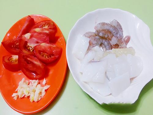 mỳ ý xào hải sản 2