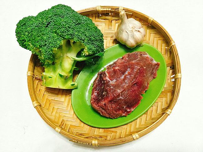 bông cải xào thịt bò 2