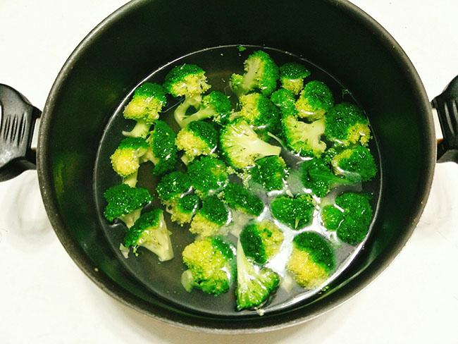 bông cải xào thịt bò 5
