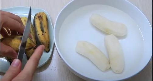 cách làm bánh chuối hấp nước cốt dừa 1