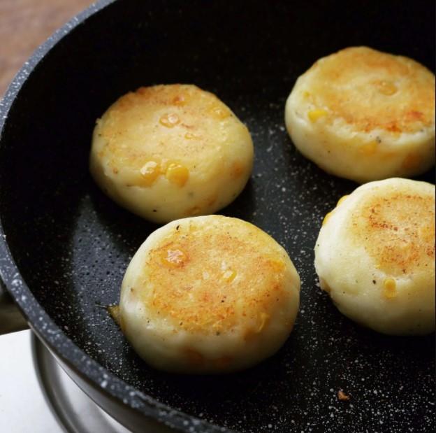 bánh khoai tây phô mai viên 4