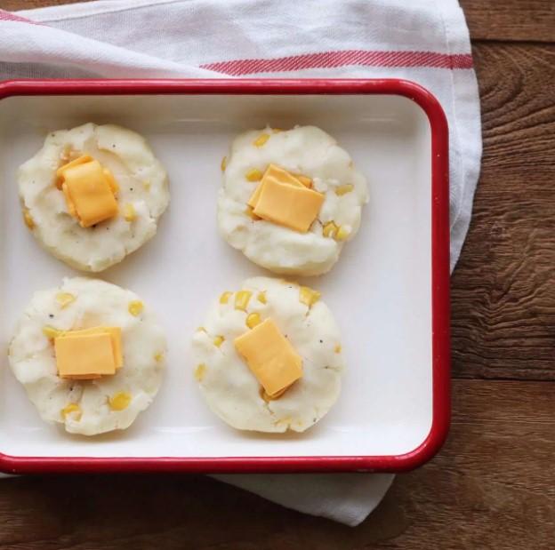 bánh khoai tây phô mai viên 3