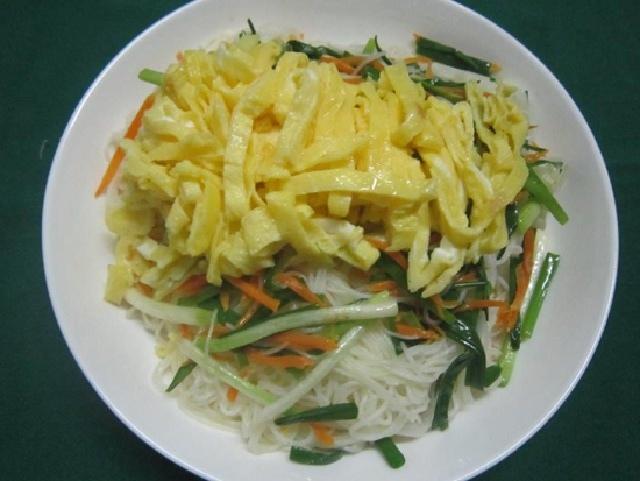 cách làm mì gạo xào trứng 4
