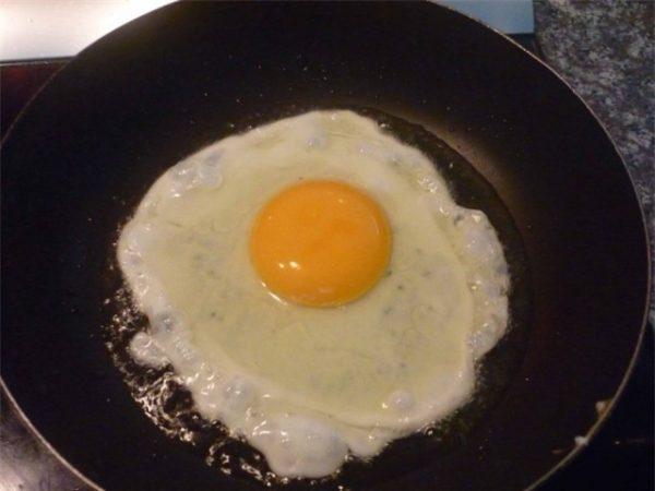 cách làm mì ý xào trứng 3
