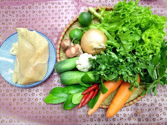 cách làm nộm gà xé phay hành tây cà rốt 1