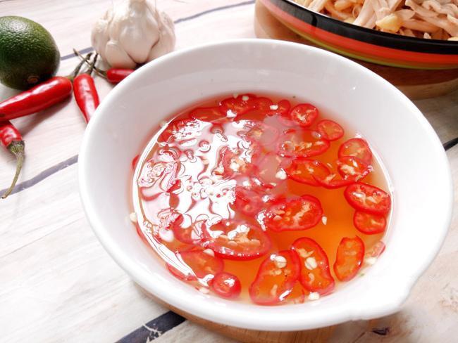 cách làm nộm gà xé phay hành tây cà rốt 5