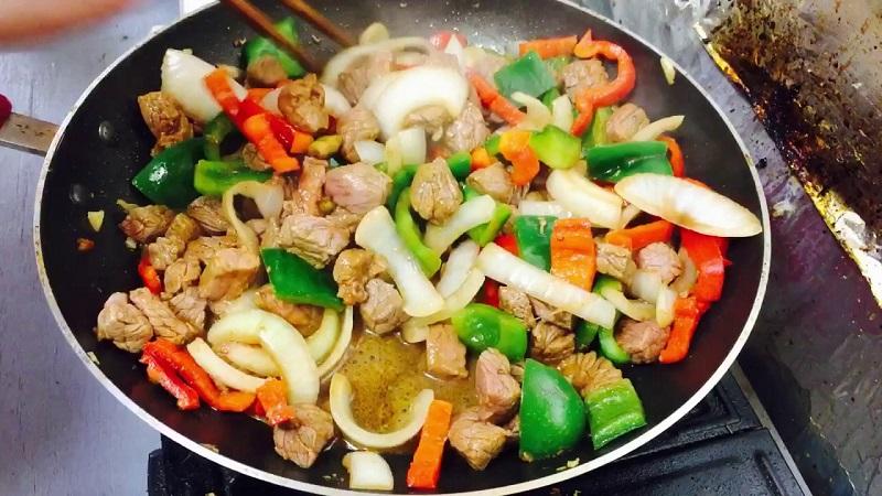 cách làm thịt bò xào củ hành tây, ớt chuông 3