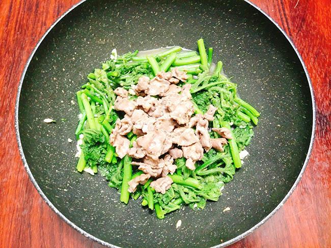 rau bí xào thịt bò 7