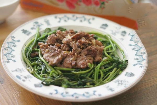 rau lang xào thịt bò 8