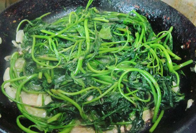 rau lang xào thịt bò 6