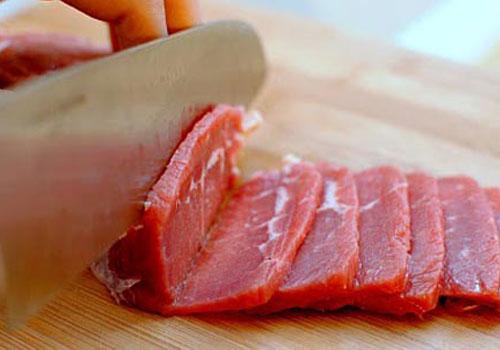 thịt bò hầm bí đỏ